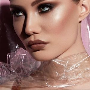 Anastasia Beverly Hills Lipstick Dread